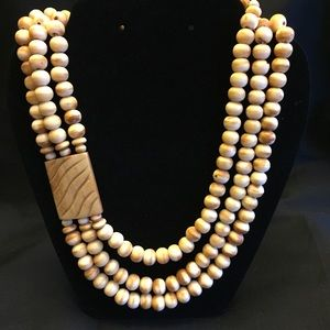 """Jewelry - Vintage 20"""" 3 Strand Beaded Necklace Brown & Cream"""